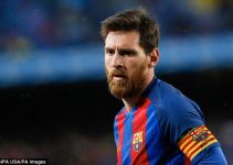 Hinh 1 - Lionel Messi tu choi hop dong